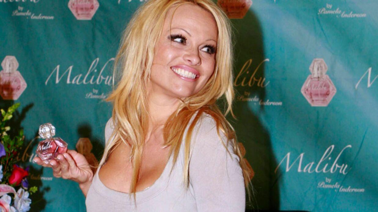 Pamela Anderson vend sa voiture pour la bonne cause