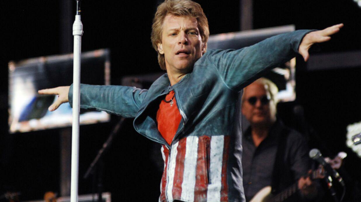 Bon Jovi s'invite au mariage d'une fan et l'accompagne jusqu'à l'autel