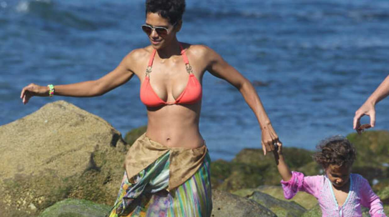LOOK Halle Berry ultra sexy à 45 ans