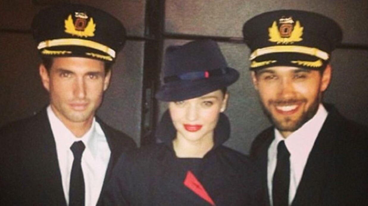 Miranda Kerr, hôtesse de l'air super sexy pour Quantas Airways