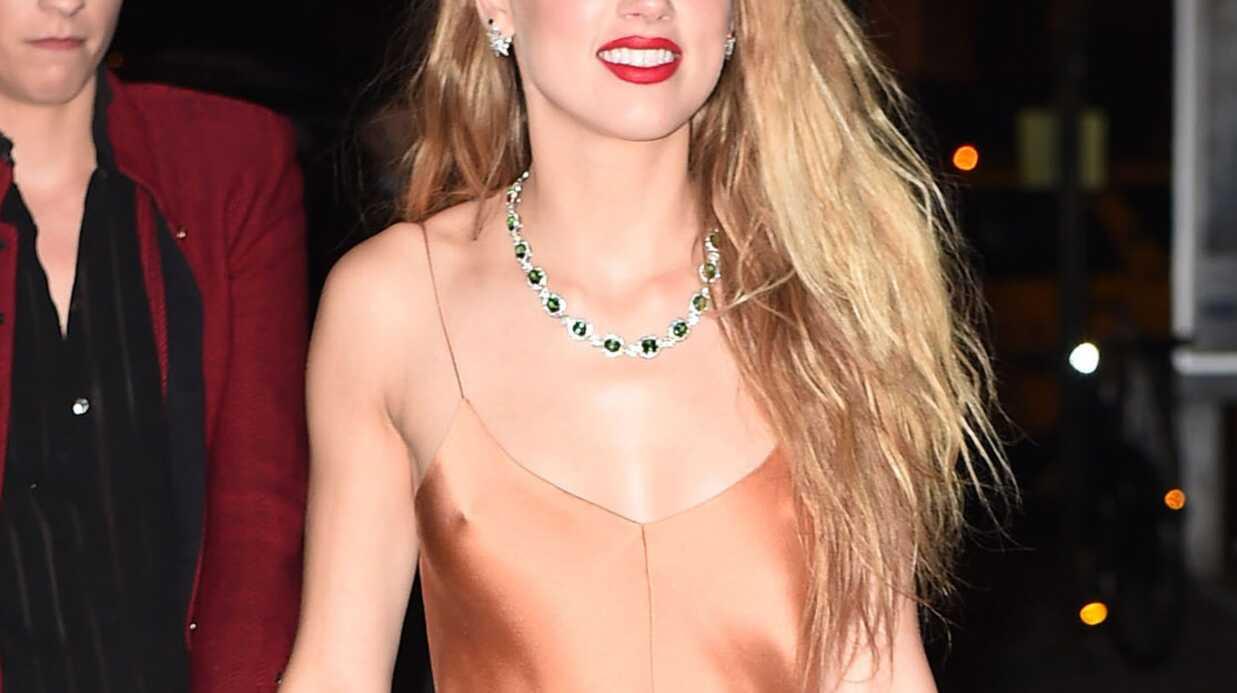 PHOTOS Amber Heard ultra sexy sans soutien-gorge pour un dîner chic à New York