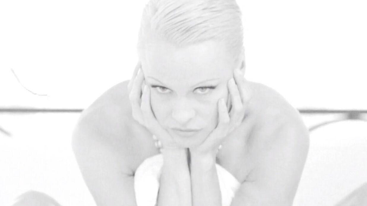 VIDEO Pamela Anderson: son striptease torride pour la PETA