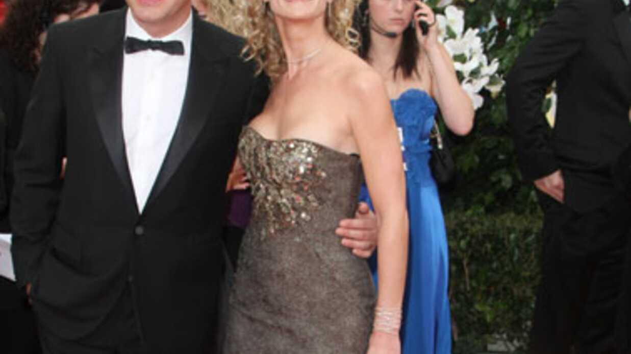 VIDEO Alexandra Lamy dévoile un sein aux Golden Globes