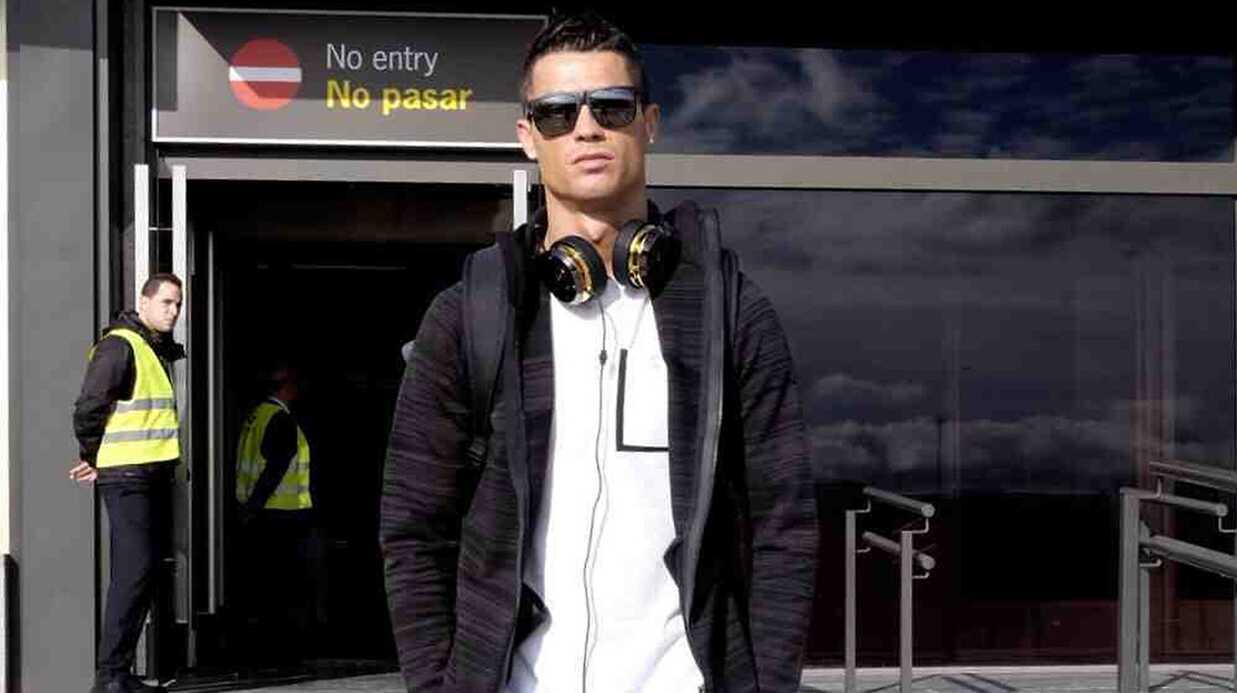 PHOTO Cristiano Ronaldo en slip avec Alessandra Ambrosio pour GQ
