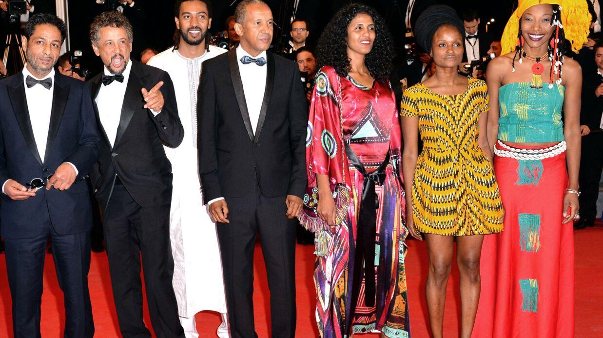 PHOTOS Cannes: Sonia Rolland sublime dans sa robe en dentelle