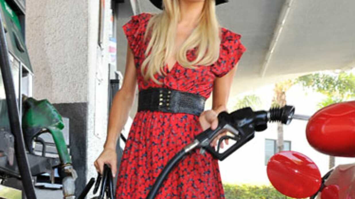 PHOTOS Kim Kardashian et Paris Hilton font le plein d'essence