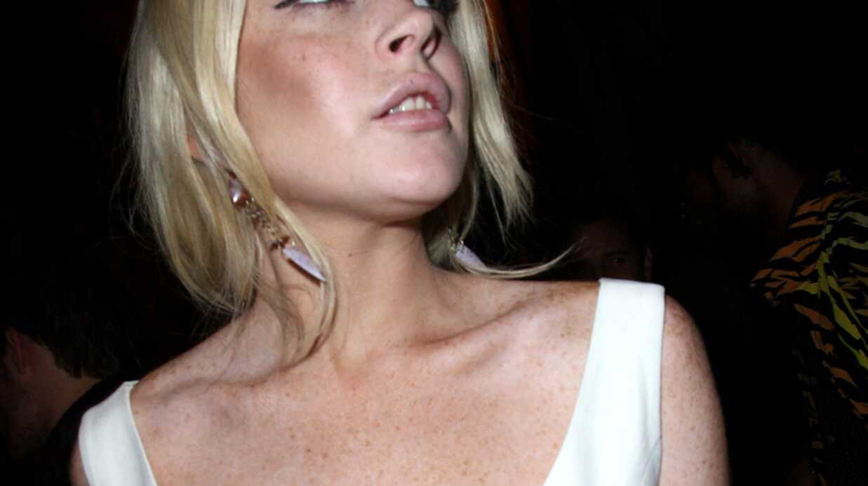 Lindsay Lohan chercherait-elle à retrouver ses potes de prison?