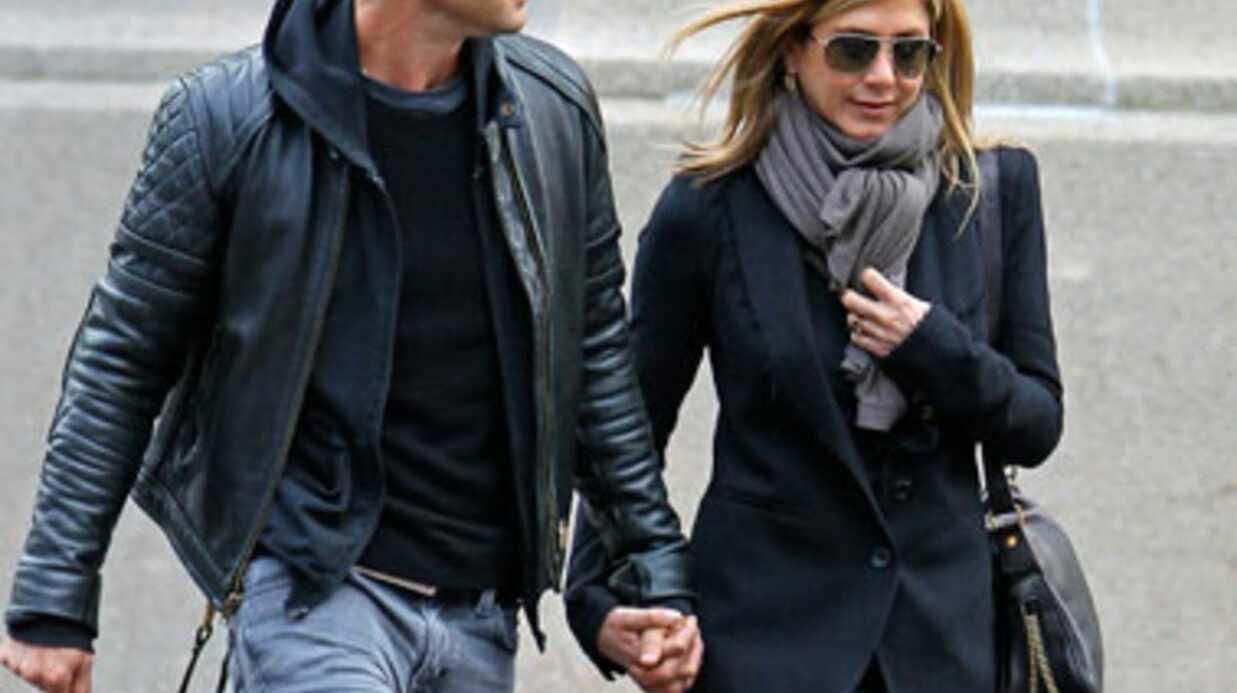 Jennifer Aniston en larmes lorsqu'elle évoque ses fiançailles