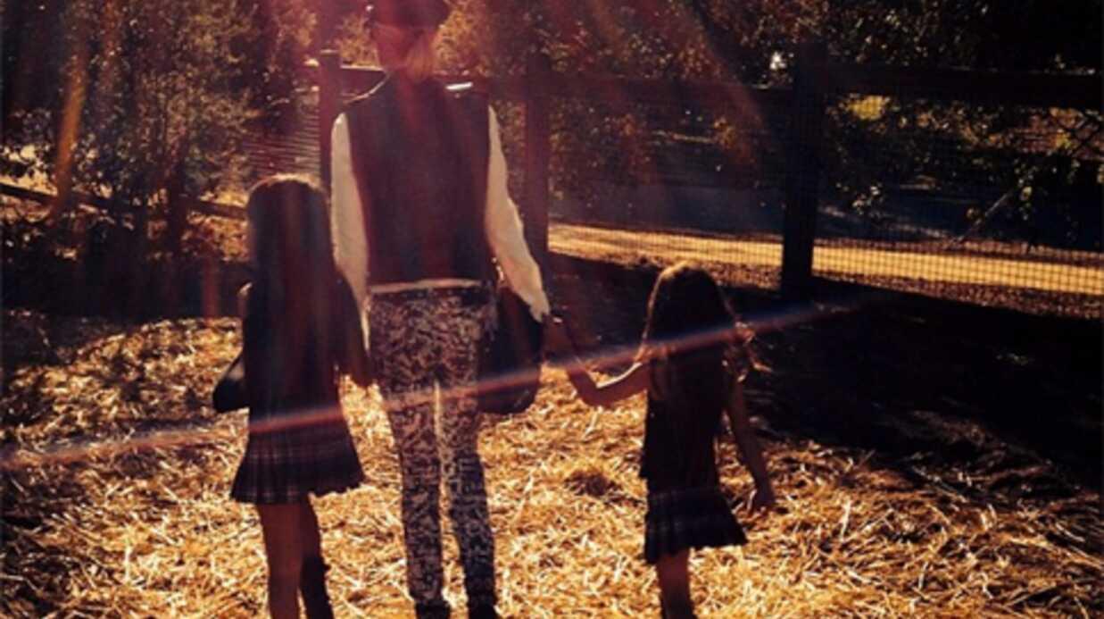 PHOTOS Laeticia Hallyday et ses filles préparent Halloween