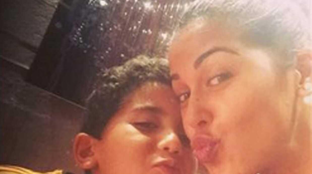 PHOTOS Ayem: ses adorables retrouvailles avec son petit frère