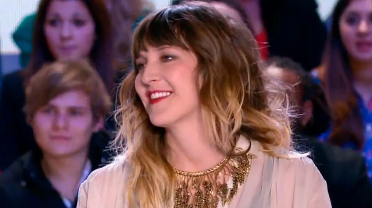 VIDEO Daphné Bürki embrasse Gunther Love au Grand Journal