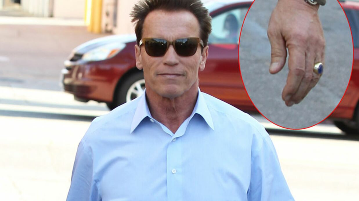 Arnold Schwarzenegger flirte avec une jeunette