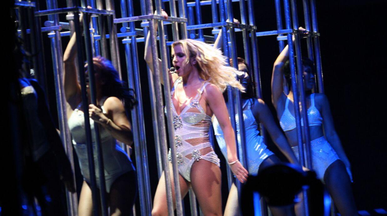 PHOTOS Britney Spears rondelette mais sexy en concert à Rio
