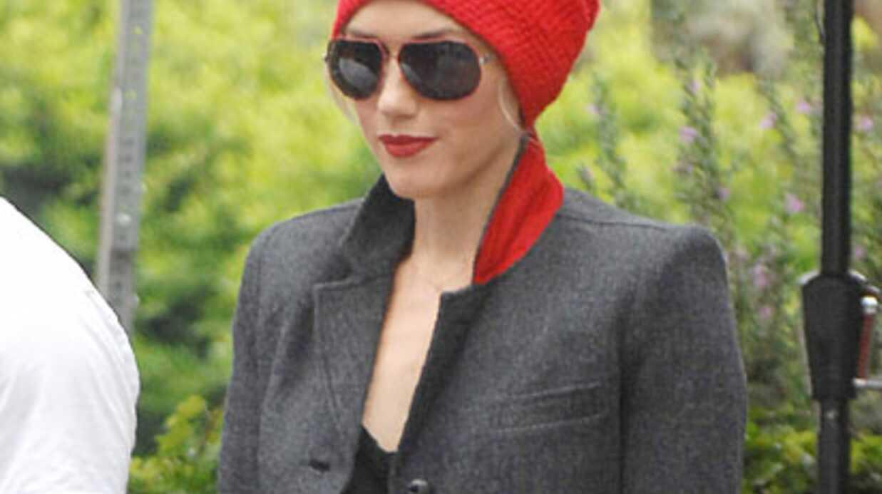 LOOK Gwen Stefani sort d'un restaurant à Beverly Hills