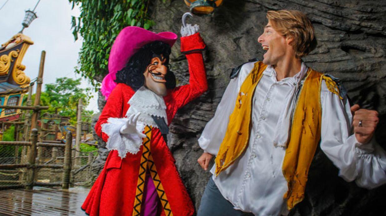 PHOTOS Camille Lacourt et Valérie Bègue retombent en enfance à Disneyland Paris