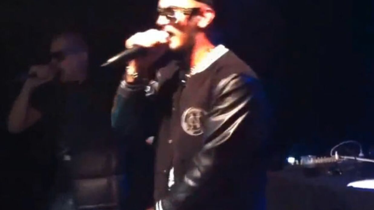 VIDEO Le rappeur Seth Gueko se bat en plein concert