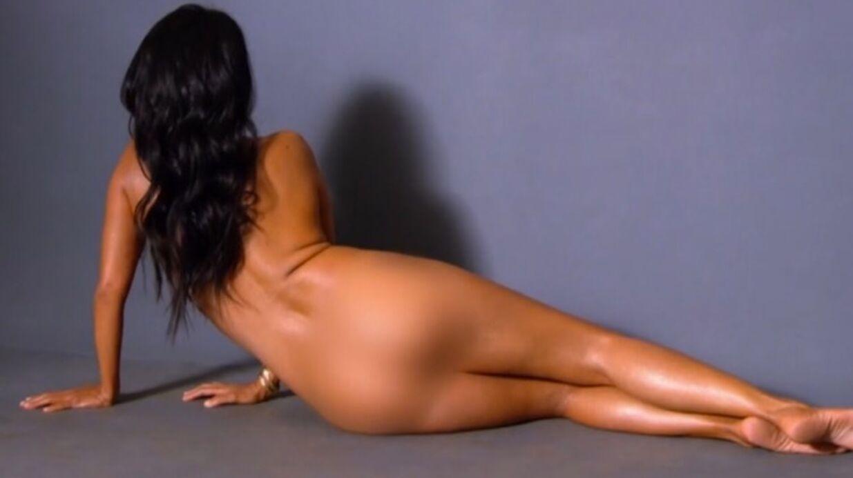 VIDEO Kourtney Kardashian pose nue (devant sa soeur) pour un shooting photo