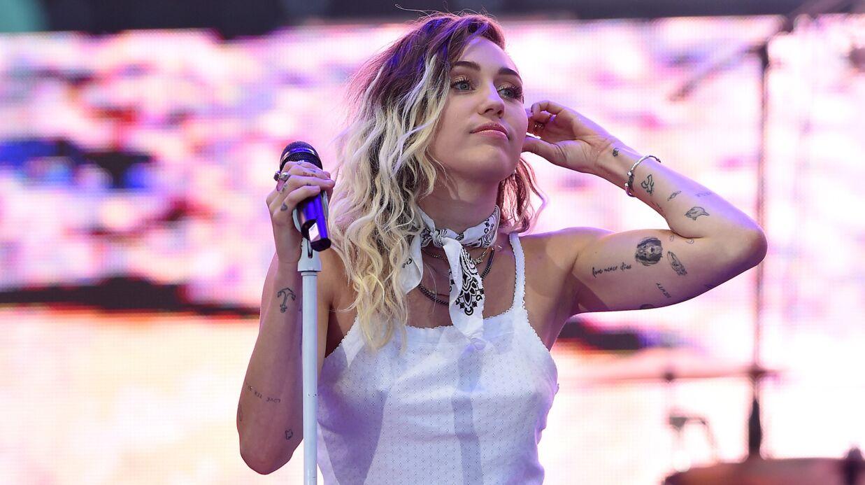 Miley Cyrus dégoûtée qu'on se souvienne d'elle seulement comme de la fille nue qui léchait un marteau dans un clip