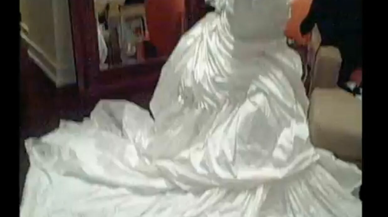 VIDEO Beyoncé: regardez-la essayer sa robe de mariée!