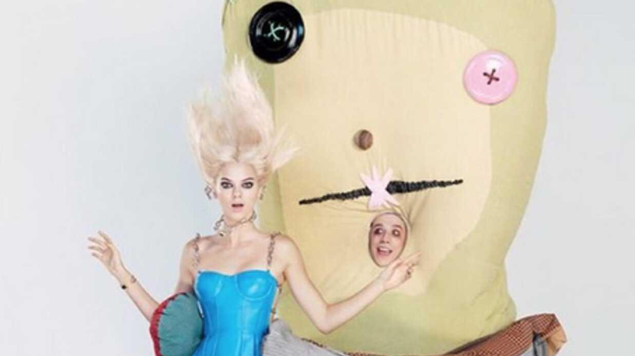 PHOTOS Kendall Jenner en blonde, elle revisite Alice au pays des merveilles
