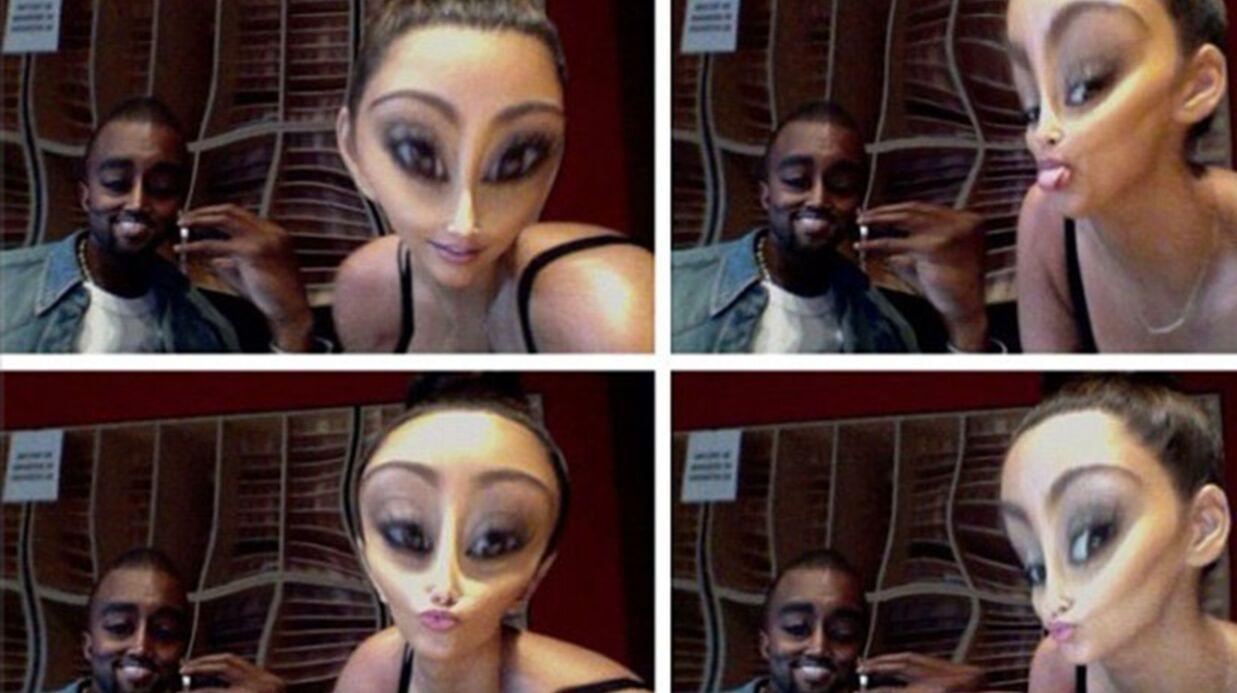PHOTOS Kim Kardashian s'éclate avec sa tête d'alien