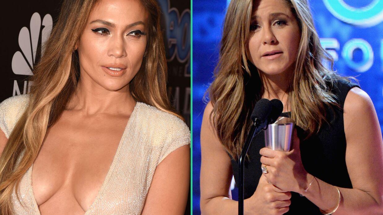 PHOTOS Jennifer Lopez sort le décolleté de compétition pour les People Awards