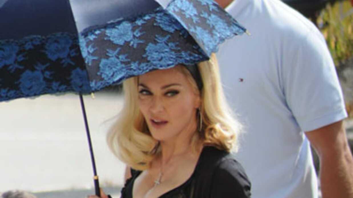 PHOTOS Madonna très décolletée sur le tournage de son dernier clip