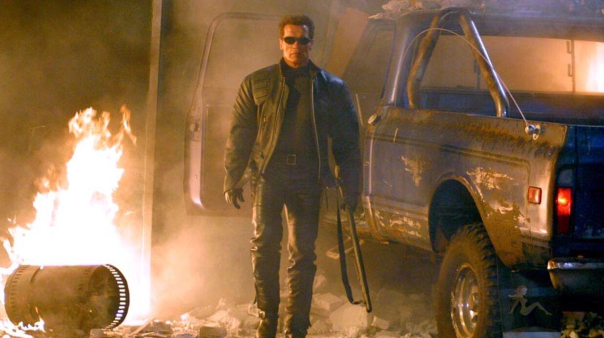 Arnold Schwarzenegger s'entaille le front sur un tournage