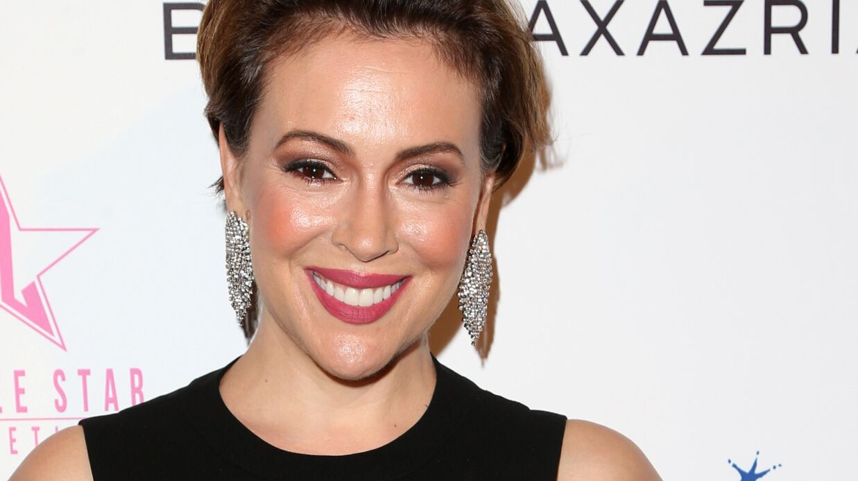 Alyssa Milano pose sans maquillage pour son anniversaire, elle est parfaite