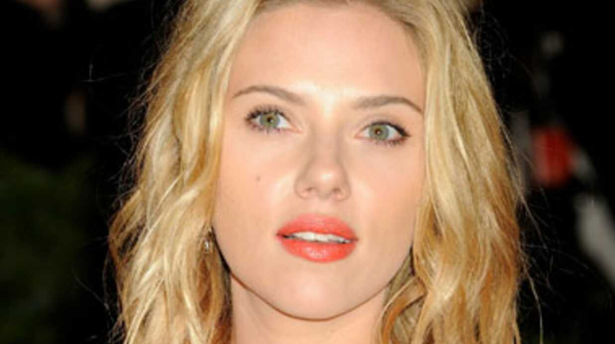 Scarlett Johansson n'est PAS fiancée à Romain Dauriac