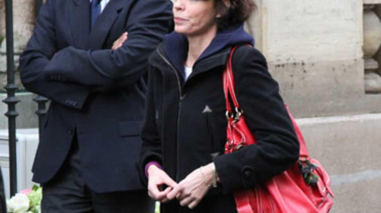 PHOTOS Les obsèques de Rosy Varte: émotion et ovation