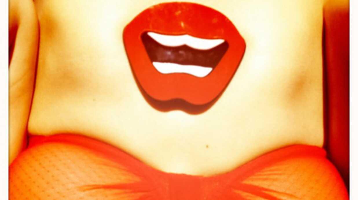 PHOTO Frédérique Bel pose nue pour le droit à l'IVG
