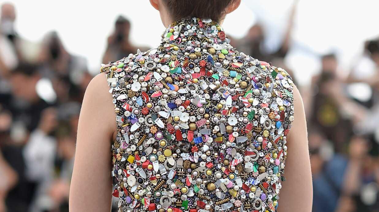 PHOTOS Cannes: Marion Cotillard très chic dans une incroyable mini robe à boutons