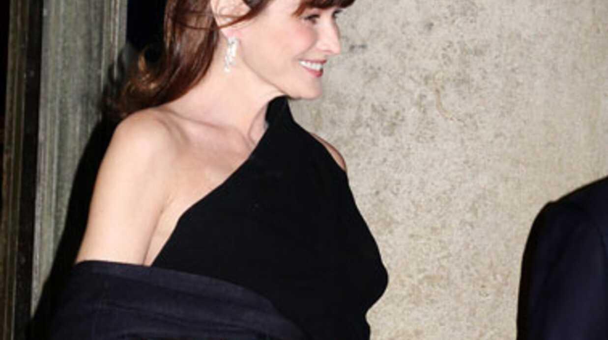 DIAPO Toutes les photos de la grossesse de Carla Bruni, enfin maman