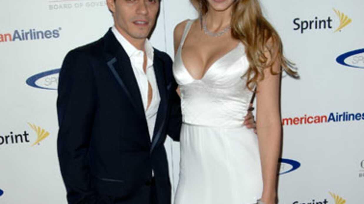 PHOTOS Marc Anthony: le décoletté osé de sa nouvelle copine