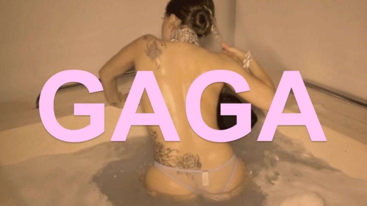 VIDEO Lady Gaga patauge dans du gâteau à moitié nue