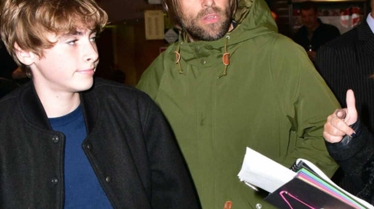 PHOTOS Liam Gallagher de sortie avec son fils de 14 ans, son sosie