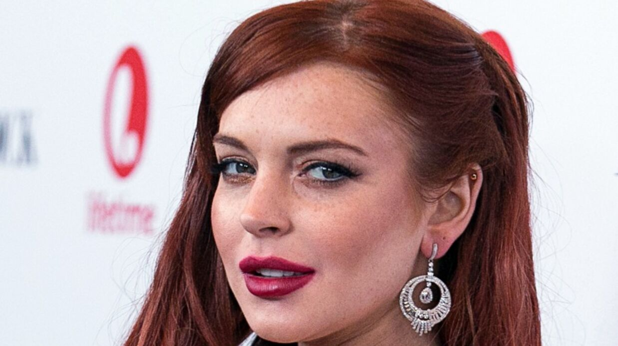 Lind­say Lohan refuse d'embras­ser Char­lie Sheen