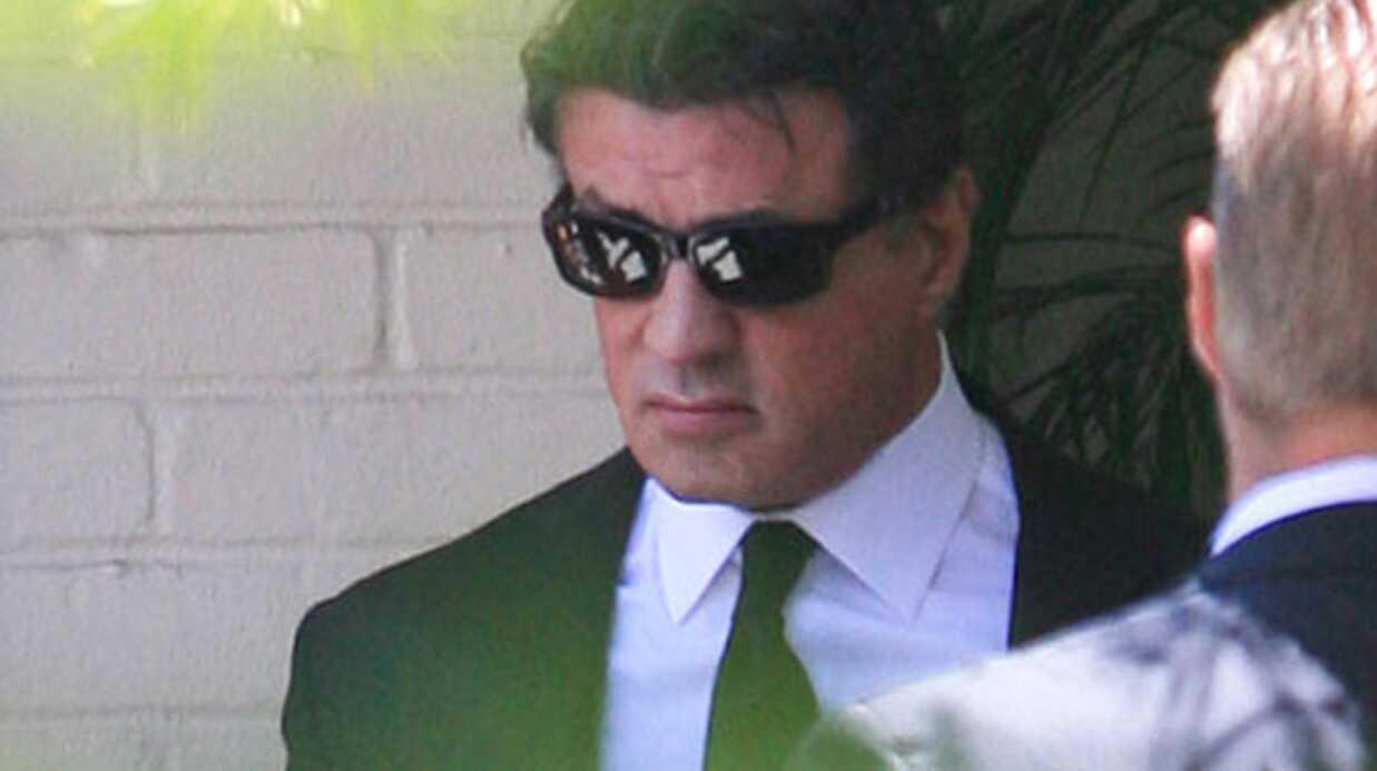 Sylvester Stallone effondré aux funérailles de son fils