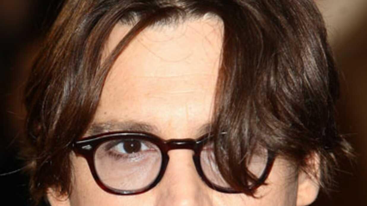 Johnny Depp est décidé à profiter de son célibat