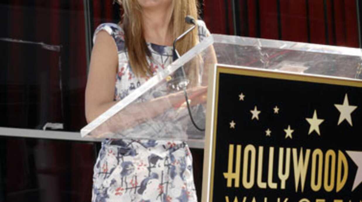 PHOTOS Jennifer Aniston étoilée à Hollywood devant son chéri et son père