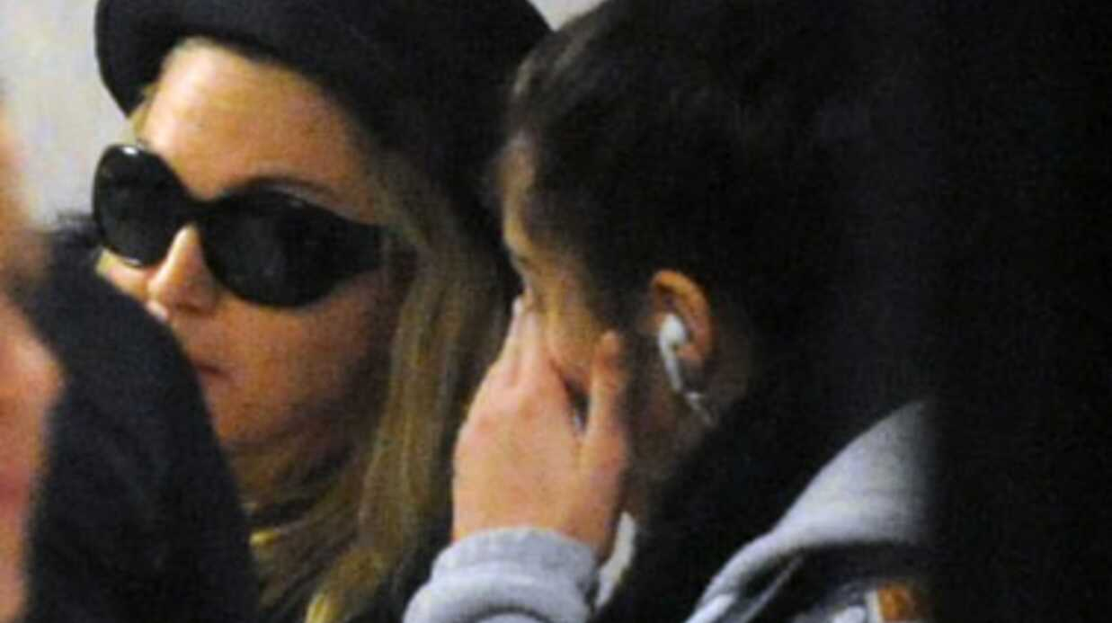 PHOTOS Madonna console Lourdes en pleurs