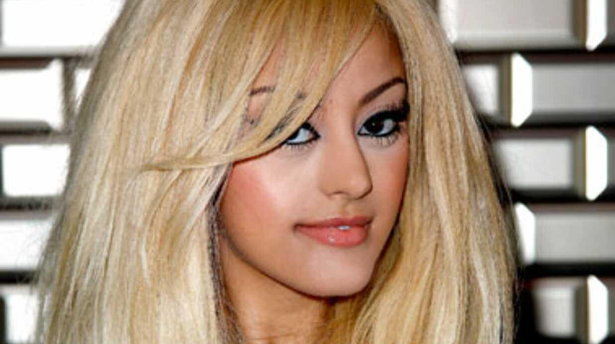 PHOTO Zahia change de couleur de cheveux