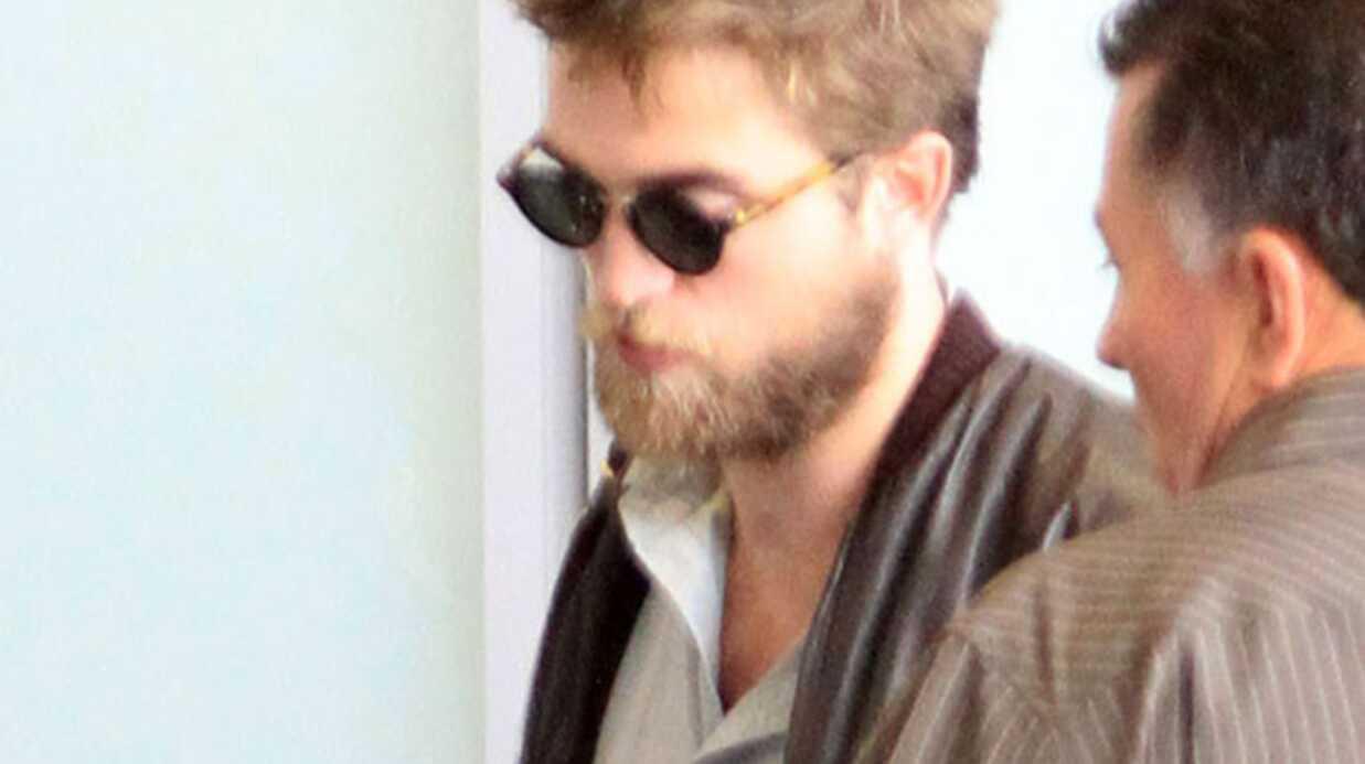 PHOTOS Robert Pattinson est arrivé à Paris