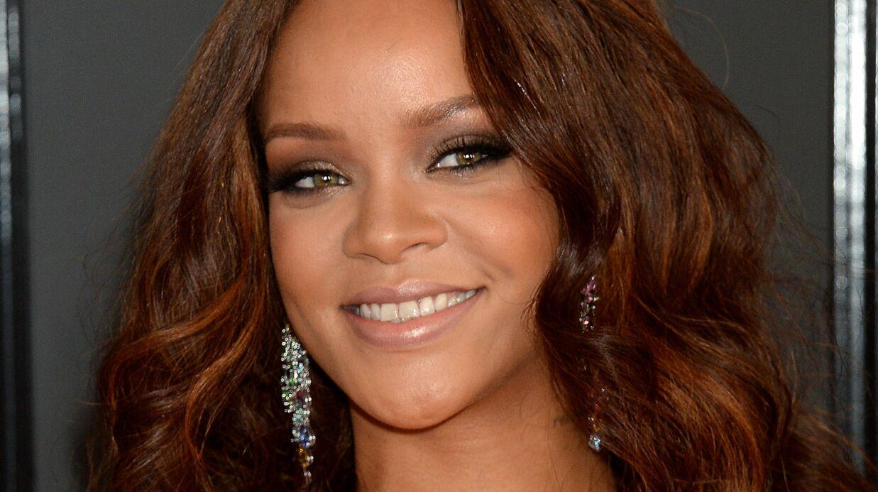 PHOTOS Rihanna colle la tête d'Elizabeth II sur ses looks les plus sexy (et c'est très drôle)
