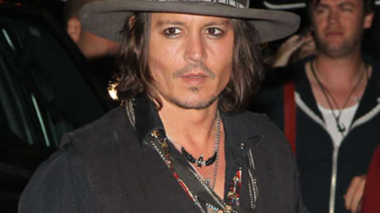 LOOK Johnny Depp rajeunit avec sa nouvelle coupe