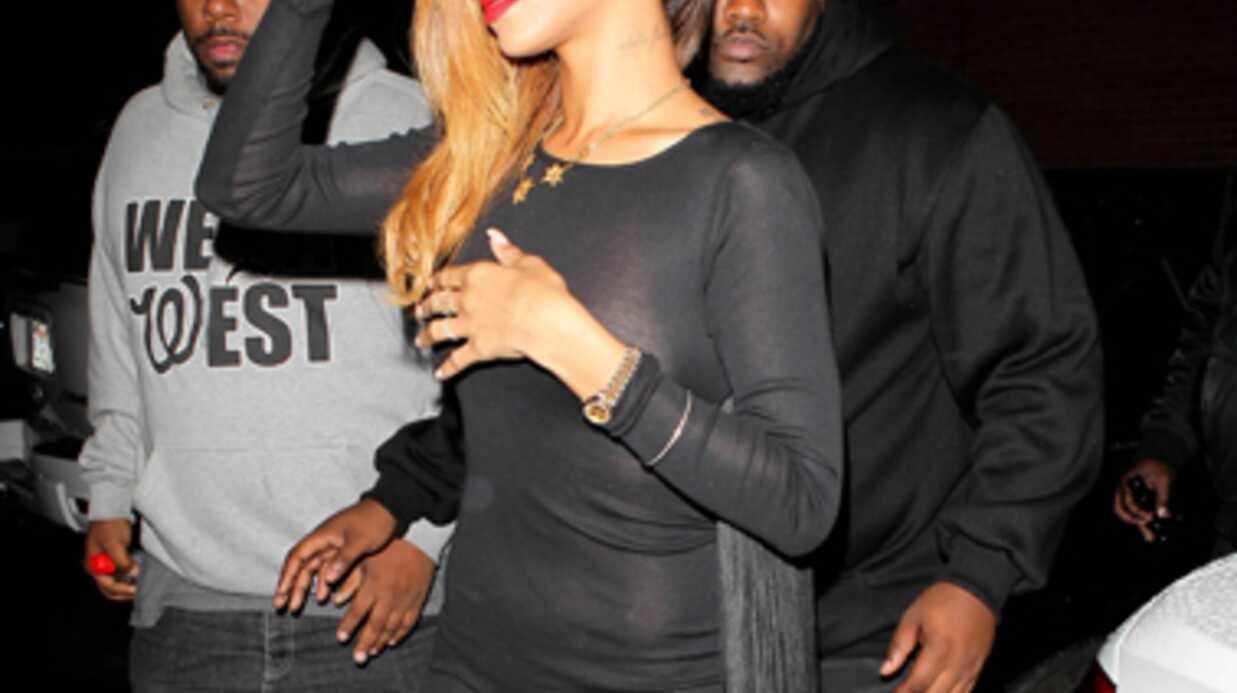PHOTOS Rihanna à moitié nue dans la rue