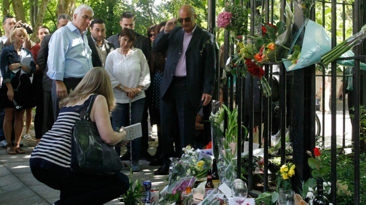 DIAPO Les parents d'Amy Winehouse se recueillent à Camden