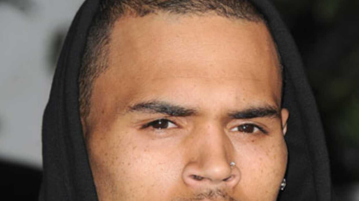 Chris Brown accusé d'avoir jeté à terre une femme