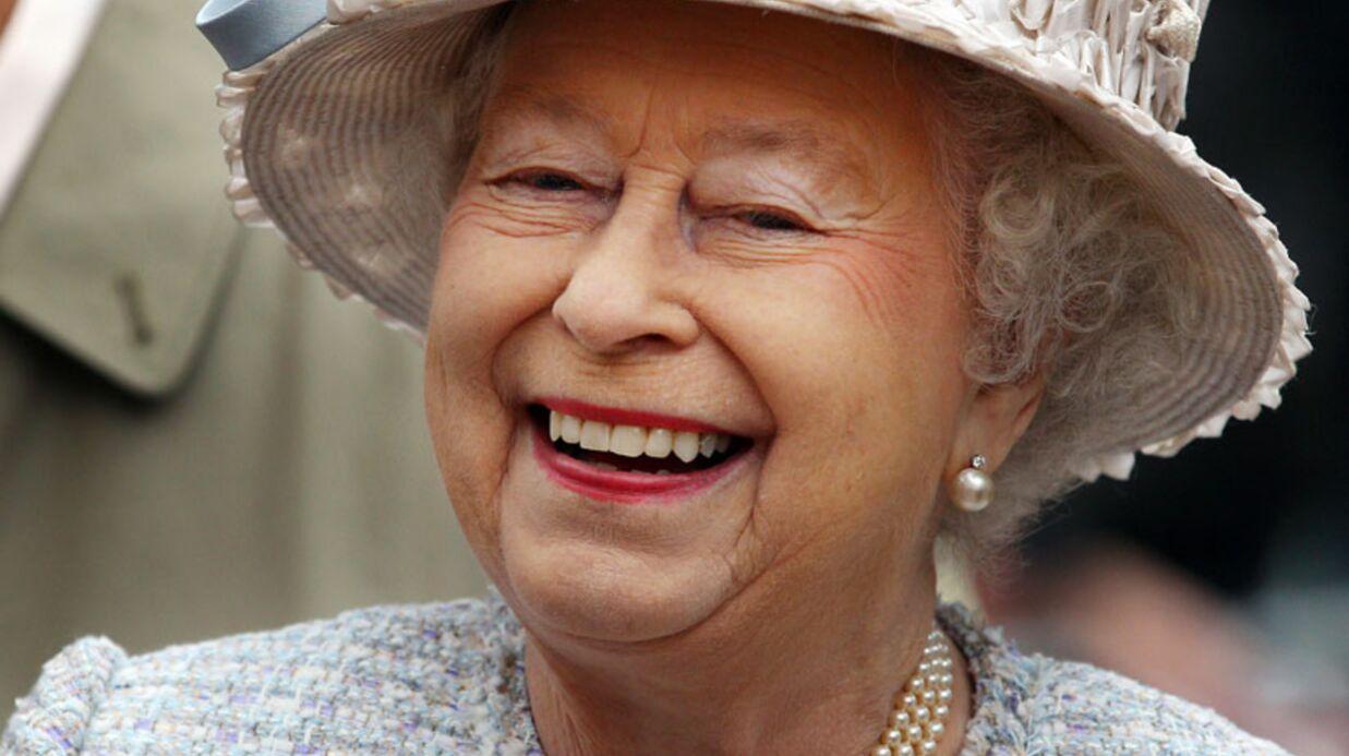 Elizabeth II: ses petits trucs pour être digne en toute circonstance